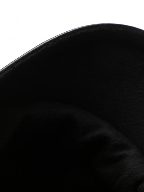 Кепка из кожи  - Деталь1