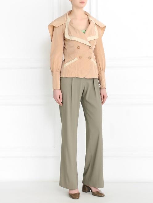 Легкая куртка с карманами  - Общий вид