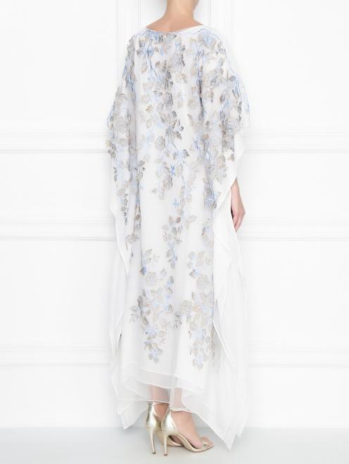 Платье свободного кроя из шелка с аппликацией - МодельВерхНиз1