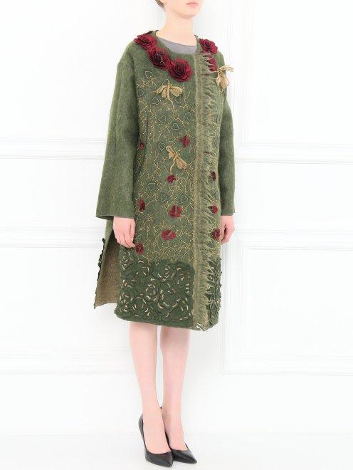 Пальто из шерсти с боковыми карманами декорированное вышивкой  - Модель Общий вид
