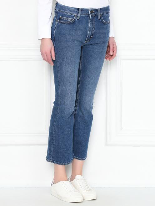 Укороченные джинсы расклешенного кроя - МодельВерхНиз