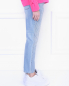 Джинсы зауженного кроя с декором Karl Lagerfeld  –  МодельВерхНиз2
