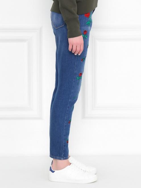 Укороченные джинсы с цветочным узором - МодельВерхНиз2
