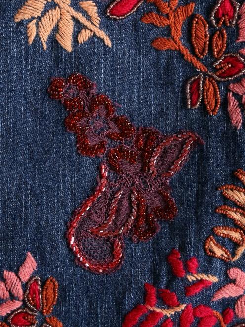 Джинсы прямого кроя с вышивкой - Деталь