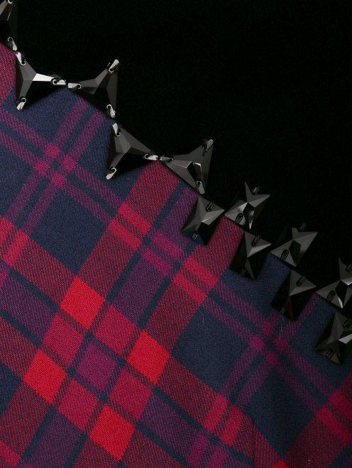 Платье-миди из шерсти с узором и декоративной отделкой - Деталь