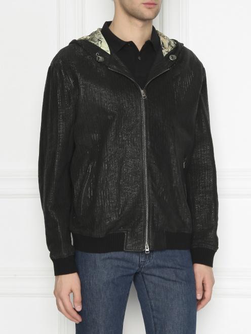 Куртка из кожи на молнии с капюшоном - МодельВерхНиз