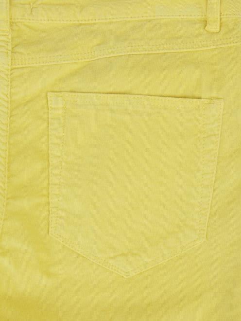 Зауженные брюки из микровельвета - Деталь1