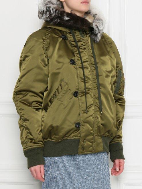 Куртка утепленная с меховым капюшоном - МодельВерхНиз