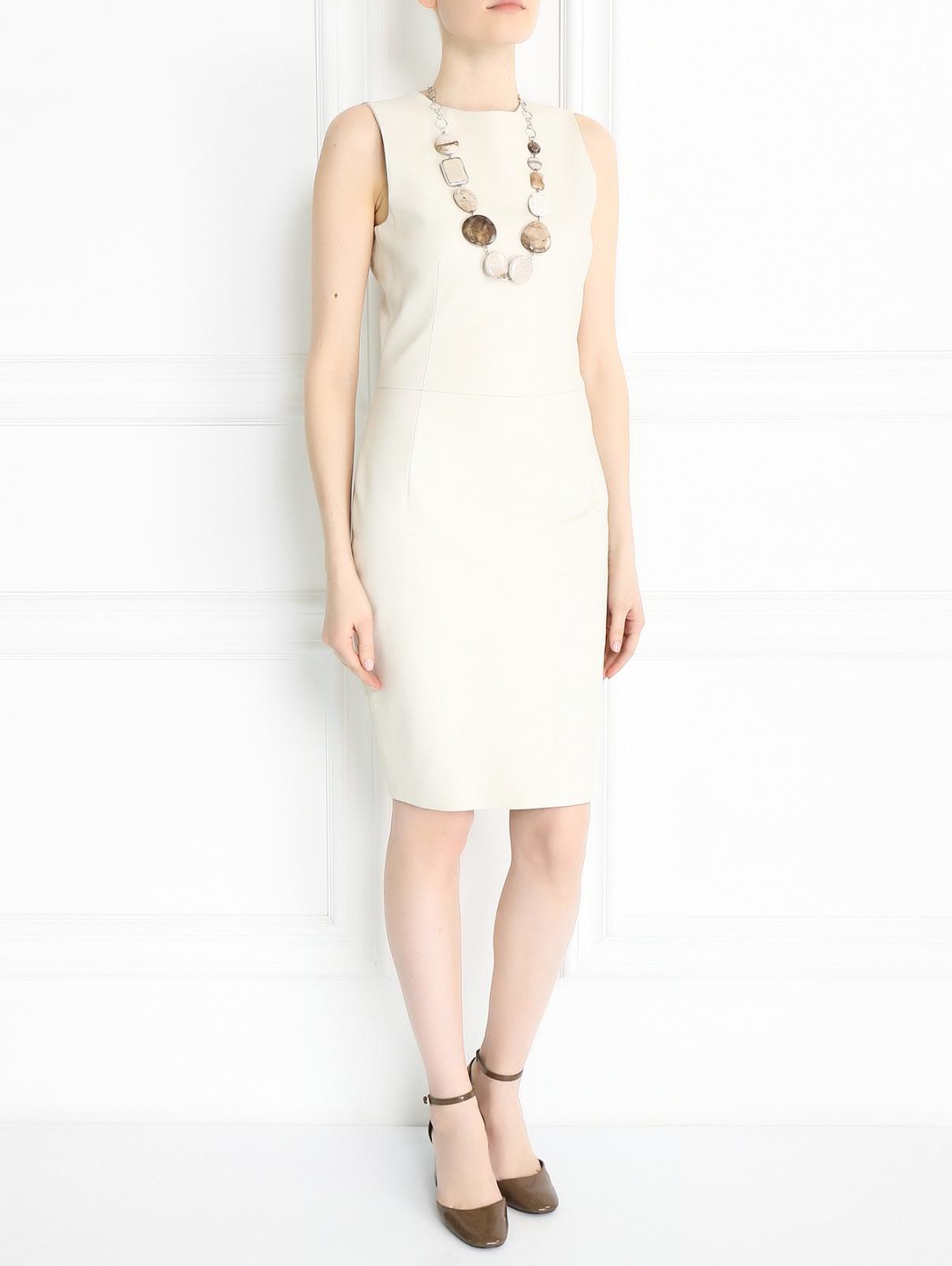 Платье-футляр из кожи без рукавов Yves Salomon  –  Модель Общий вид  – Цвет:  Бежевый